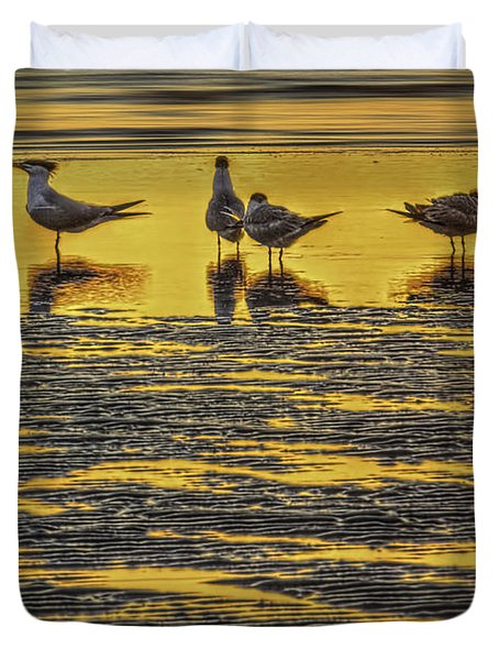 Among Friends Duvet Cover