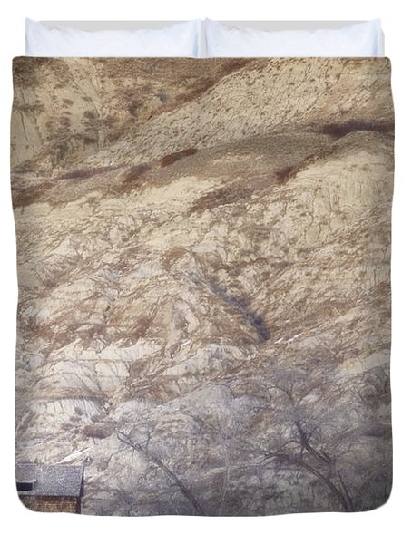 An Abandoned Farmhouse At The Base Duvet Cover by Roberta Murray
