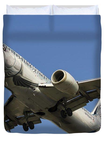 An Alaska Airlines Boeing 737 Duvet Cover