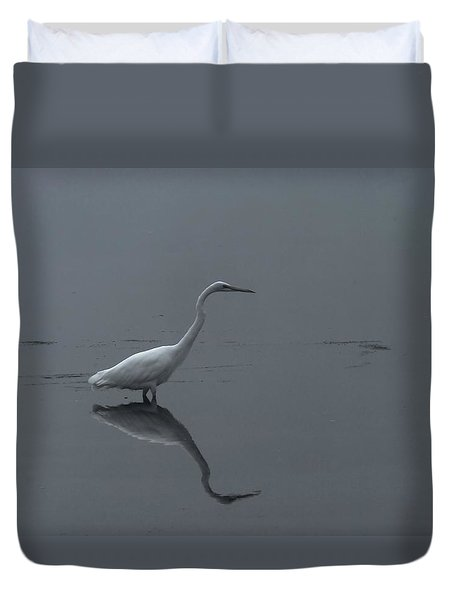 An Egret Standing In Its Reflection Duvet Cover by Jeff Swan