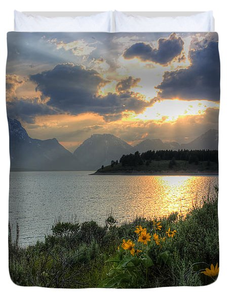 An Evening At Jackson Lake Duvet Cover
