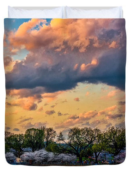 An Evening In Dc Duvet Cover