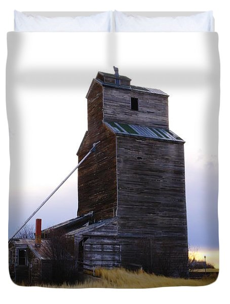 An Old Grain Elevator Off Highway Two In Montana Duvet Cover by Jeff Swan