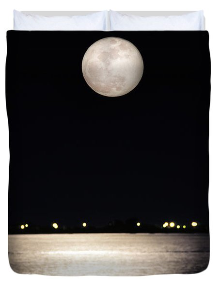 And No One Was There - To See The Full Moon Over The Bay Duvet Cover by Gary Heller