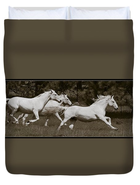 Duvet Cover featuring the photograph And The Race Is On D5932 by Wes and Dotty Weber