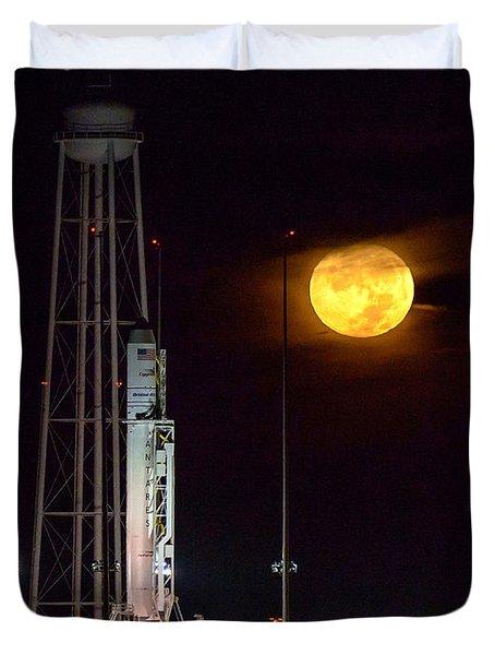 Antares Rocket At Launch Pad Duvet Cover