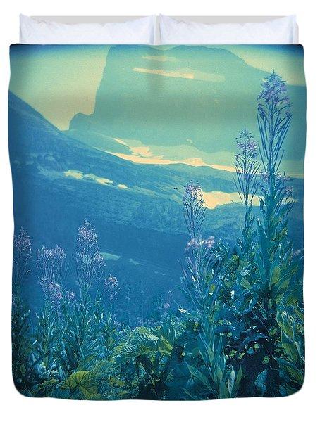 Aquarium Mountain Duvet Cover
