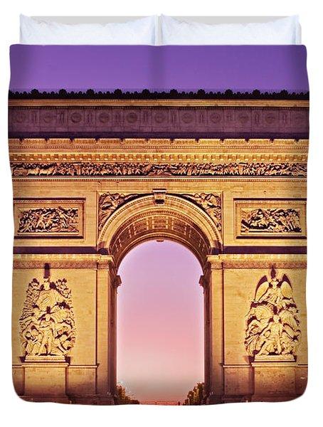 Duvet Cover featuring the photograph Arc De Triomphe Facade / Paris by Barry O Carroll