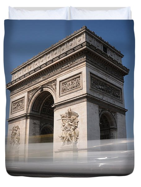Duvet Cover featuring the photograph Arc De Triomphe by Jeremy Voisey