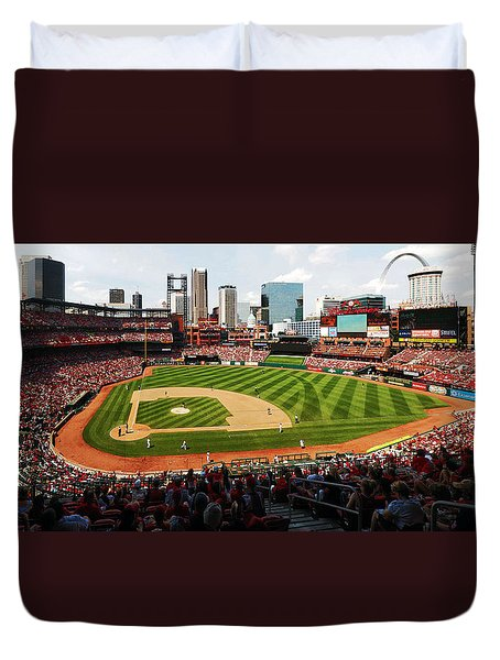 Arch Returns To The Outfield Duvet Cover