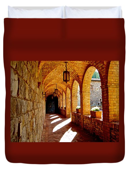 Archway By Courtyard In Castello Di Amorosa In Napa Valley-ca Duvet Cover