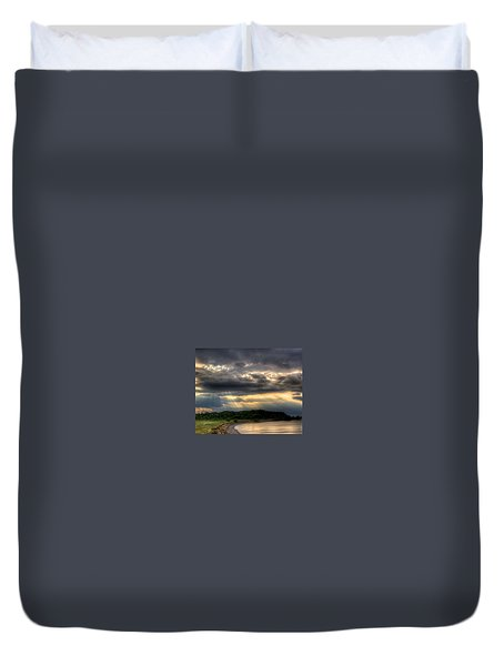 Art For Crohn's Lake Ontario Sun Beams Duvet Cover by Tim Buisman
