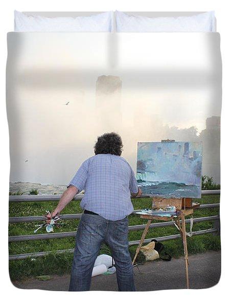 Artist At Work Niagara Falls Ny Duvet Cover