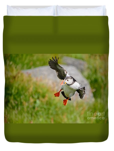 Atlantic Puffin, Incoming.... Duvet Cover