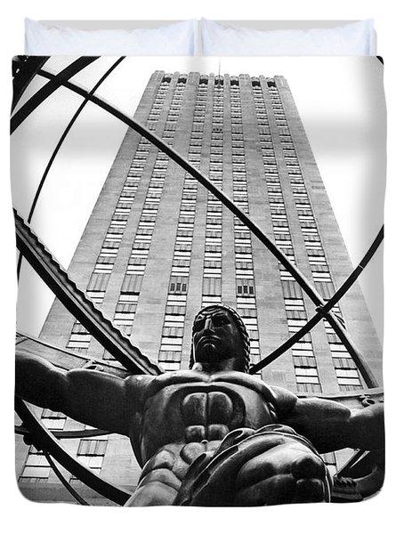 Atlas In Rockefeller Center Duvet Cover