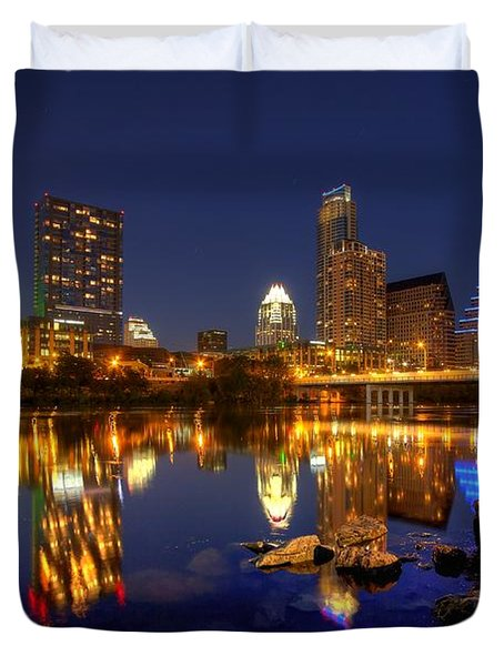 Austin On The Rocks Duvet Cover by Dave Files