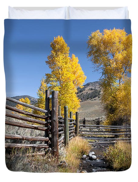 Duvet Cover featuring the photograph Autumn At The Lamar Buffalo Ranch by Jack Bell