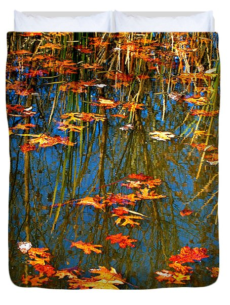 Duvet Cover featuring the photograph Autumn  Floating by Peggy Franz