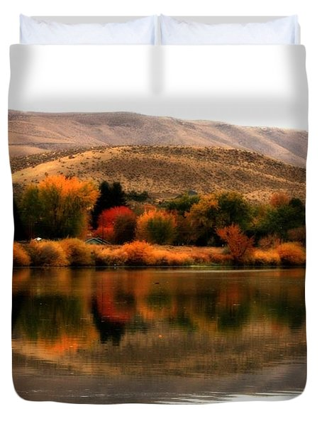 Autumn Glow On The Yakima River Duvet Cover by Carol Groenen