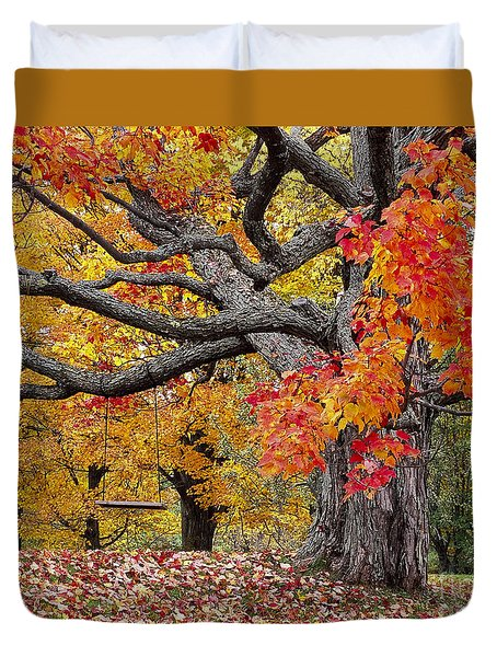 Duvet Cover featuring the photograph Autumn Memories by Alan L Graham