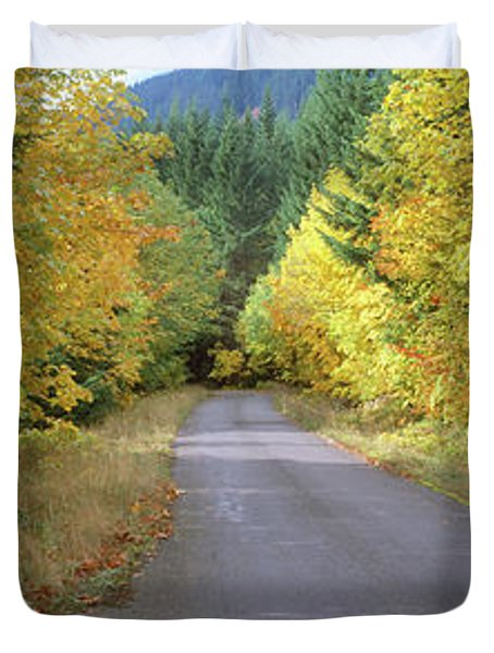 Autumn Trees Along Road In Mt Hood Duvet Cover