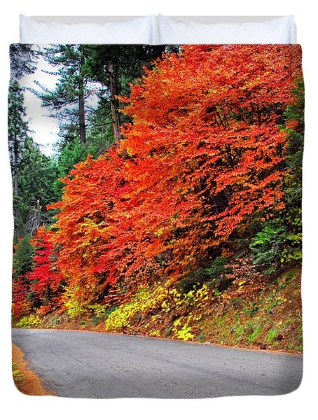 Duvet Cover featuring the photograph Autumn's Glory by Lynn Bauer