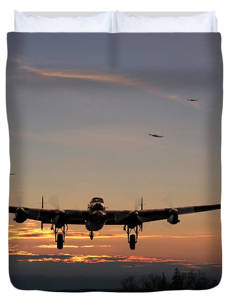 Avro Lancaster - Dawn Return Duvet Cover by Pat Speirs