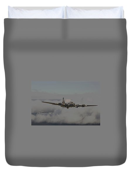 B17 Outbound - 'heavy Weather' Duvet Cover by Pat Speirs