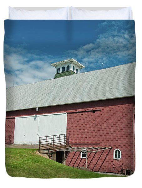 Duvet Cover featuring the photograph Babcock Barn 2263 by Guy Whiteley