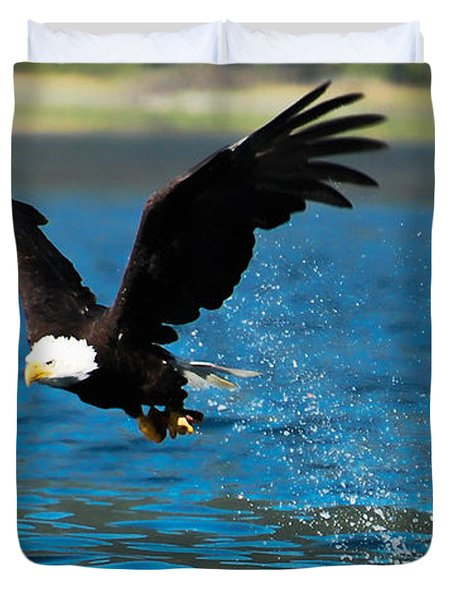 Duvet Cover featuring the photograph Bald Eagle Fishing by Don Schwartz