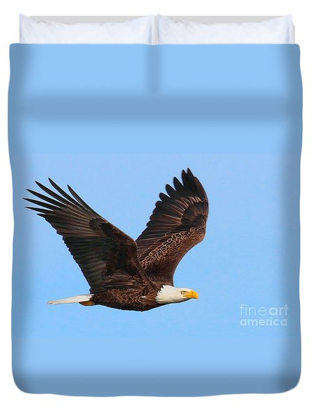 Bald Eagle In Flight Duvet Cover