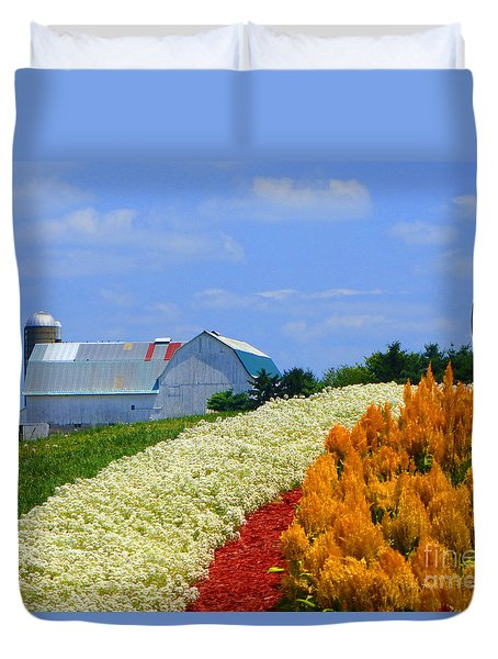 Barn And Quilt Garden Duvet Cover