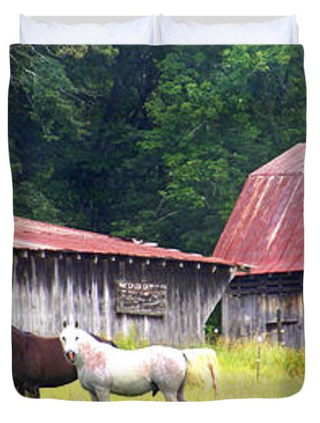 Barns And Horses Near Mills River Nc Duvet Cover