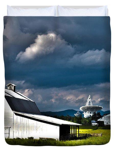 Barns And Radio Telescopes Duvet Cover