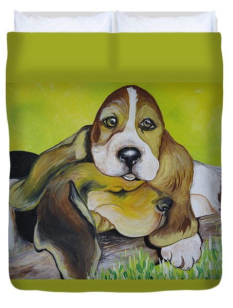 Duvet Cover featuring the painting Bassett Hound Pups by Leslie Manley