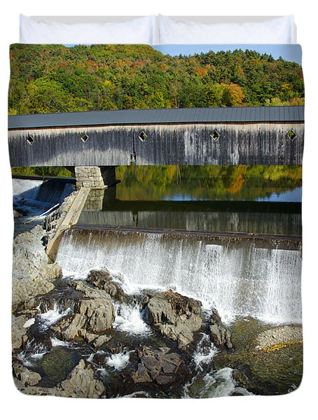 Bath Haverhill Covered Bridge In Autumn Duvet Cover