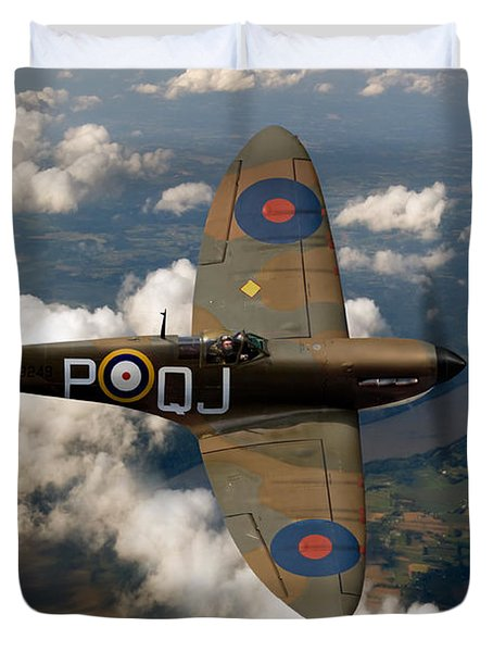Battle Of Britain Spitfire Duvet Cover by Gary Eason