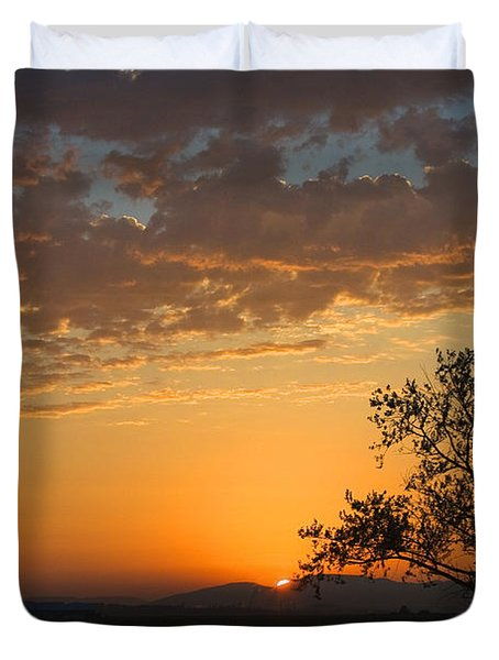 Duvet Cover featuring the photograph Bayview Sunset by Sonya Lang
