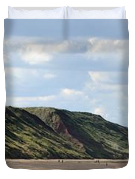Beach - Saltburn Hills - Uk Duvet Cover by Scott Lyons