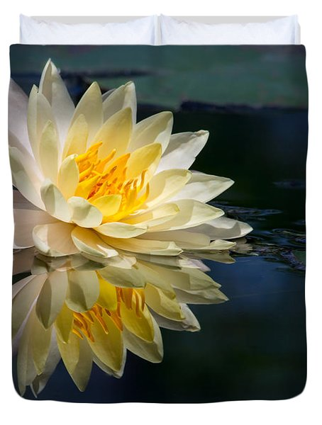 Beautiful Water Lily Reflection Duvet Cover