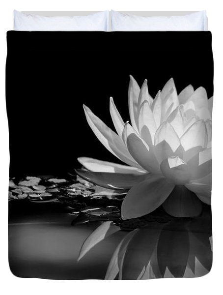 Beautiful Water Lily Reflections Duvet Cover
