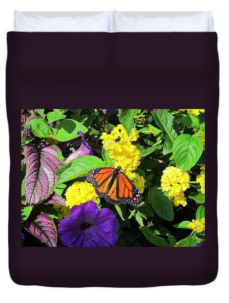 Duvet Cover featuring the photograph Beauty All Around by Cynthia Guinn