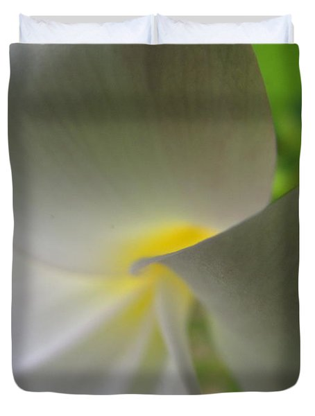 Duvet Cover featuring the photograph Beauty by Beth Vincent