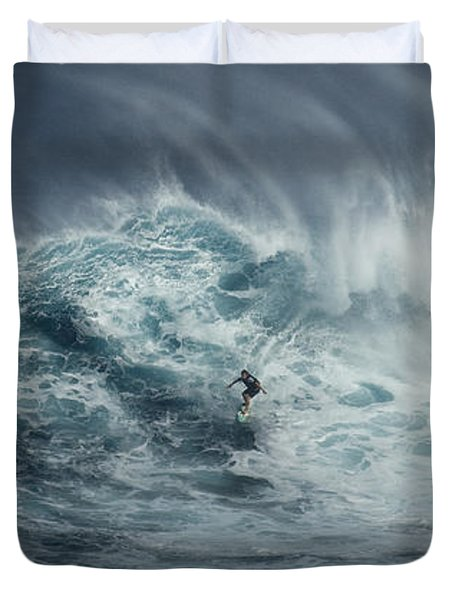 Beauty Of The Extreme Duvet Cover by Bob Christopher