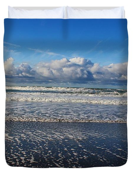 Beckoning Sea Duvet Cover