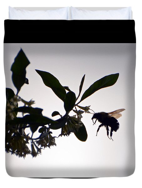 Bee In Flight  Duvet Cover by Kerri Farley