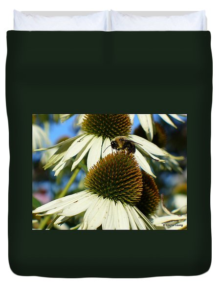 Duvet Cover featuring the photograph Bee On A Cone Flower by Lingfai Leung