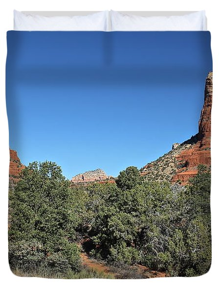 Duvet Cover featuring the photograph Bell Rock And Courthouse Butte by Penny Meyers