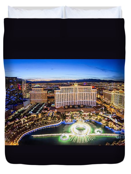Duvet Cover featuring the photograph Bellagio Rountains From Eiffel Tower At Dusk by Aloha Art
