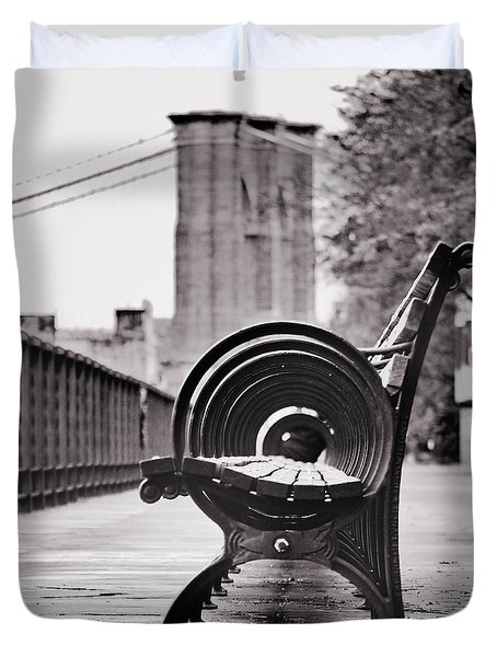 Bench's Circles And Brooklyn Bridge - Brooklyn Heights Promenade - New York City Duvet Cover
